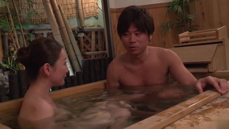 Classy mature lady Tsubasa Takanashi getting an amazing hard core sex