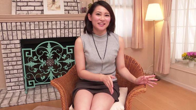 Comely Ameri Koshikawa is sucking cock hard